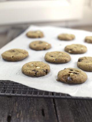 Vegan Chocolate Macadamia Cookies