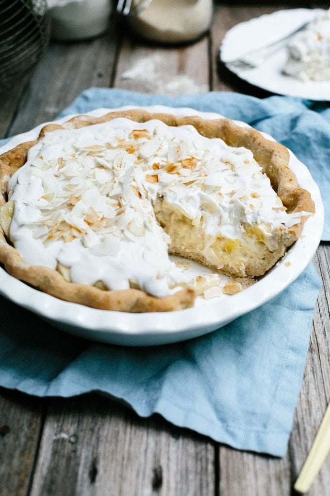vegan banana coconut cream pie 7
