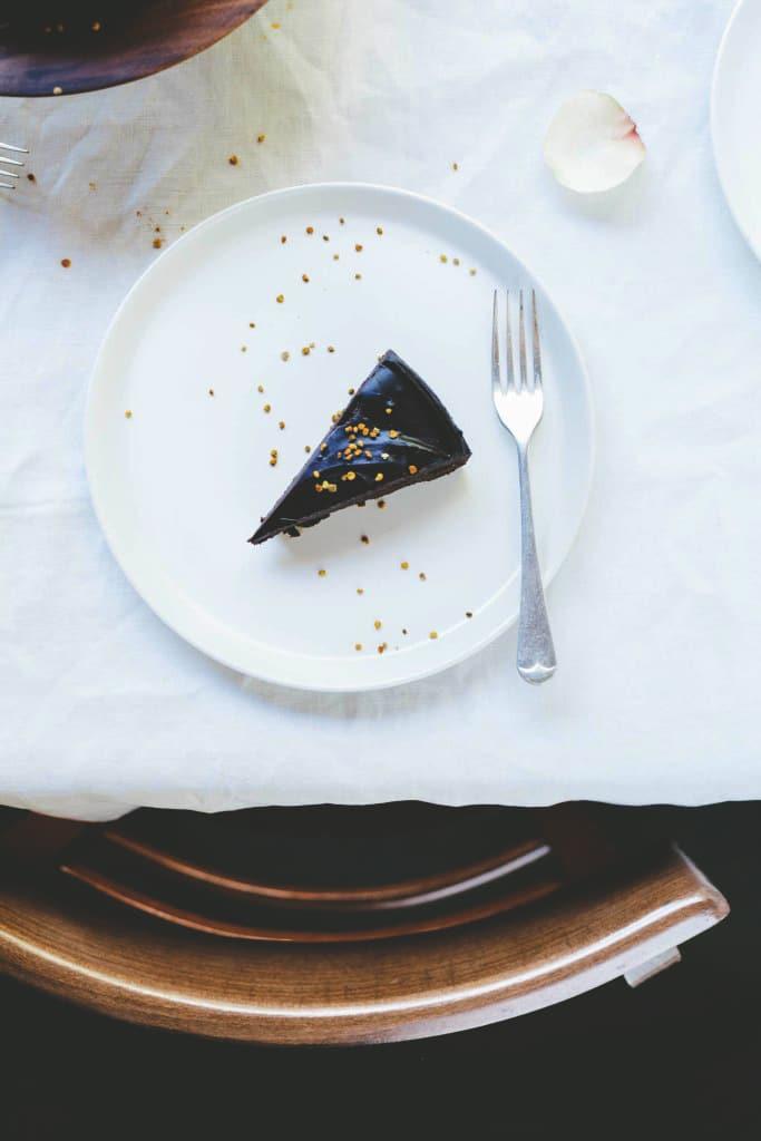 Loved Up Raw Chocolate Cake