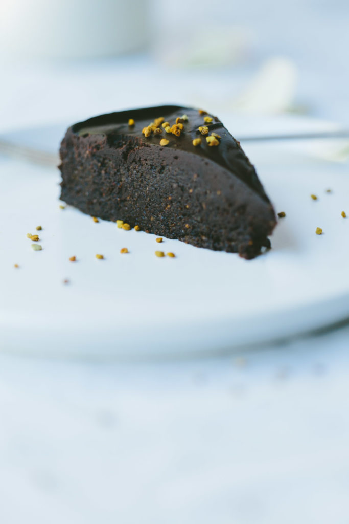 This Loved Up Raw Chocolate Cake is a revelation. Gluten-free, sugar free, dairy-free, nut-free and vegan, this dessert is perfectly rich and gooey.