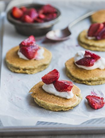 Fluffy Gluten-Free Vegan Banana Pikelets with Coconut